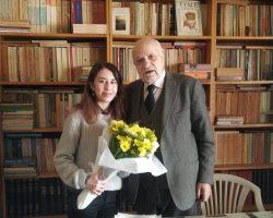 Değerli araştırmacı yazar Osman Selim Kocahanoğlu'nu ziyaret ederek dergimizin yeni sayımızı hediye ettik.