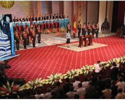 Orta Asya'nın İlk Kadın Devlet Başkanı Rosa Otunbayeva